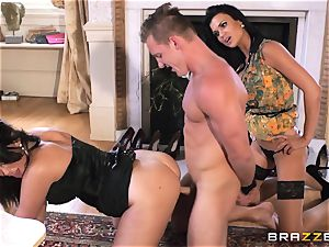 Peeking assistant punished by Emma Leigh and Jasmine Jae