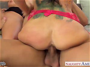 naughty babes Jessica Jaymes, Romi Rain and Phoenix Marie share shaft