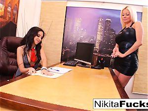 Nikita's lezzy office pulverize