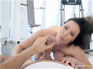 wild dark haired Kendra eagerness buttfuck pulverized at the gym
