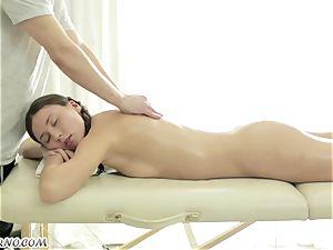 splendid Russian nymph gets an outstanding deep-tissue rubdown
