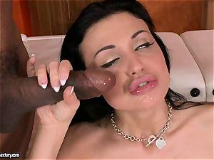 jizz thirsting Aletta Ocean dreamed a fountain on her gullet after a cute ass-fuck