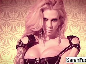 wondrous Sarah Jessie fingers herself in leather gloves