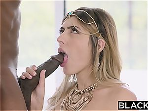 Arab chick Audrey Charlize likes the taste of a big black cock