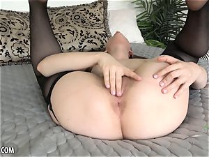 Niki Snow gets all up in her mouth-watering cunt