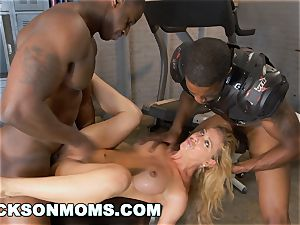 Cherie Deville auditions to be the team super-bitch (xa15243)