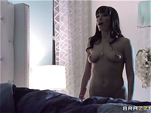 Dana Dearmond inflames her enjoy life with her naughty husband