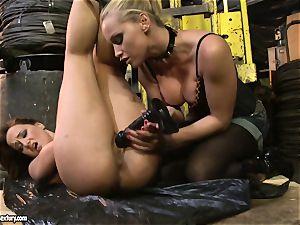 Andy dark-skinned and Kathia Nobili bootie dildoing hard