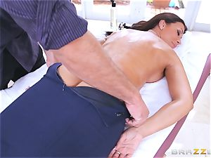Uptight cop Rachel Starr nails on the job