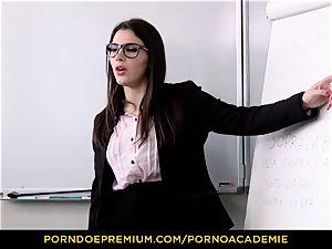 porn ACADEMIE - lecturer Valentina Nappi MMF three way
