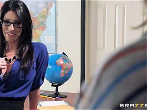 scorching teacher Dava Foxx tempts her nervous student