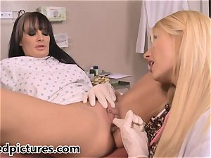 Alektra Blue and Summer Brielle Taylor get close