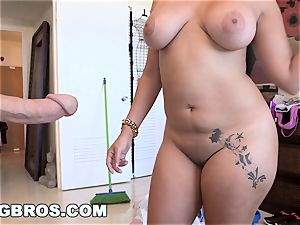 BANGBROS - yam-sized culo Cuban Angelina Cleans And fucks!