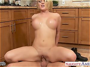Krissy in the kitchen inhale and nails until his chisel erupts