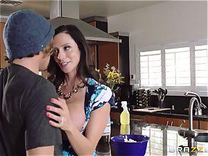 Mean mom Ariella Ferrera tempts her daughters-in-law dude