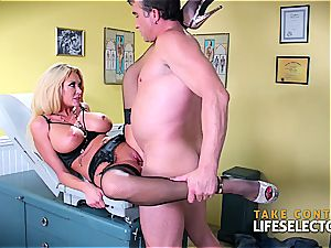 cougar blondie luvs the doctor's yam-sized dick