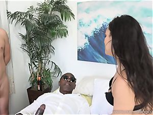 Paisley Parker Gets ebony trunk and hubby tongues Up spunk