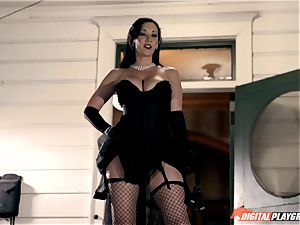 Mean dominatrix Jayden Jaymes humps in fishnet