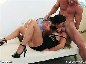 Charisma Cappelli, Romi Rain - hard fuckfest cougar 3some