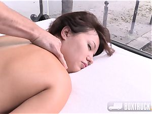 Roxy Dee thrilled with a electro-hitachi groans quitely