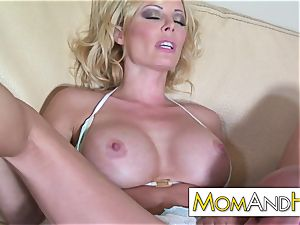 mummy mommy Holly Sampson gets facial
