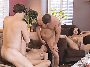 gang hookup and Hangman with cute couples 4