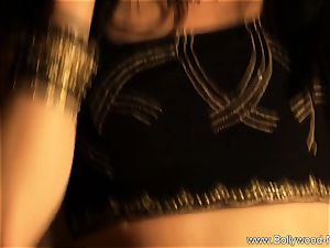 voluptuous Indian honey loves To Dance