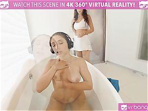 VR PORN-Outrages Step mom Syren tonguing Abellas vagina
