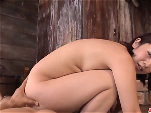 Wakaba Onoue works extra hefty spear in surpeme point of view