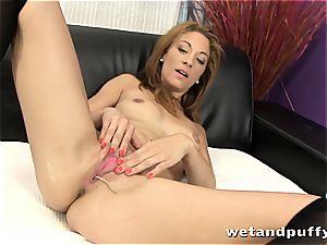 splendid black-haired makes her vagina feel great solo