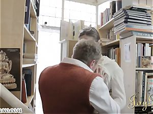 Bespectacled dweeb pulverizes mind-blowing librarian during operation